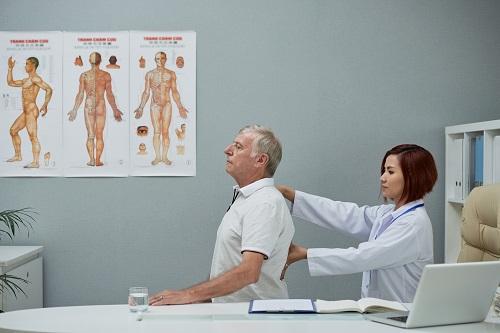 consulter un chiropracteur à Paris